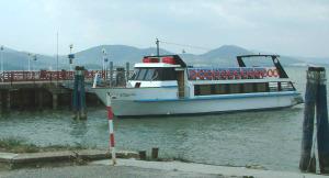 San Feliciano, molo d'attracco dei battelli per Isola Polvese
