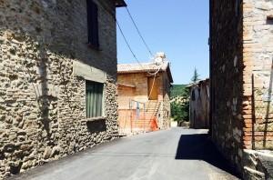 Collesanto di Magione, recupero degli immobili in stato di abbandono nel centro storico