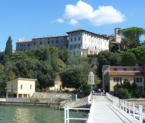Monte del Lago, villa Schnabl Rossi restaurata dai coniugi Theijsmeijer