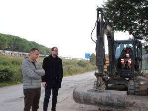 Cristian Betti e Giacomo Chiodini sopralluogo fibra ottica area artigianale Magione