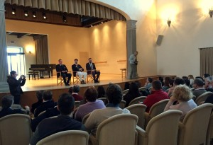 Eugenio Rondini, Brunello Cucinelli e Giacomo Chiodini a Solomeo. Foto Alice Guerrini